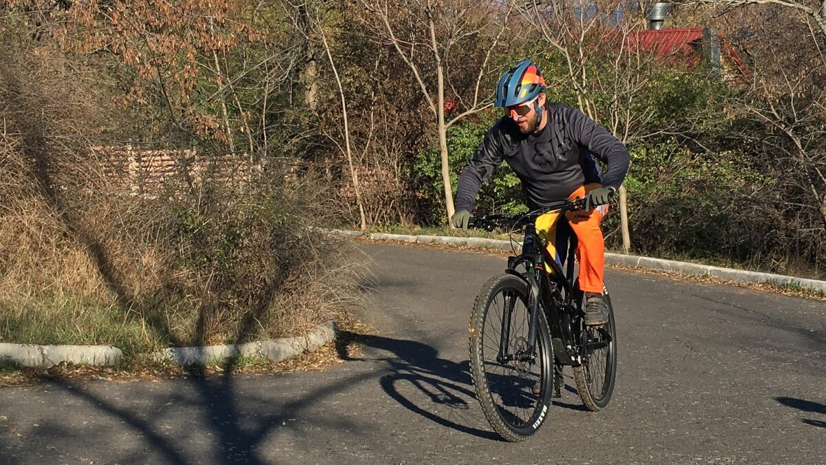 Cannondale Habit 29 Uphill